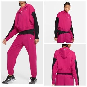 Nike NSW Sportswear Icon Clash Jogger & Hoodie Set